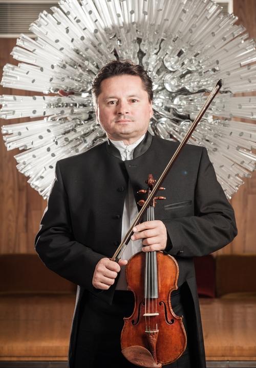Zagrebacka Filharmonija Plavi Ciklus Frederic Chaslin Dirigent